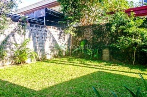 5 bedroom house for rent near LRT-1 EDSA