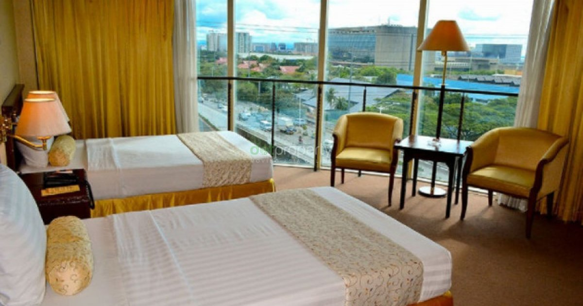 Hotel resort for sale in makati metro manila for Hotel pillows for sale philippines